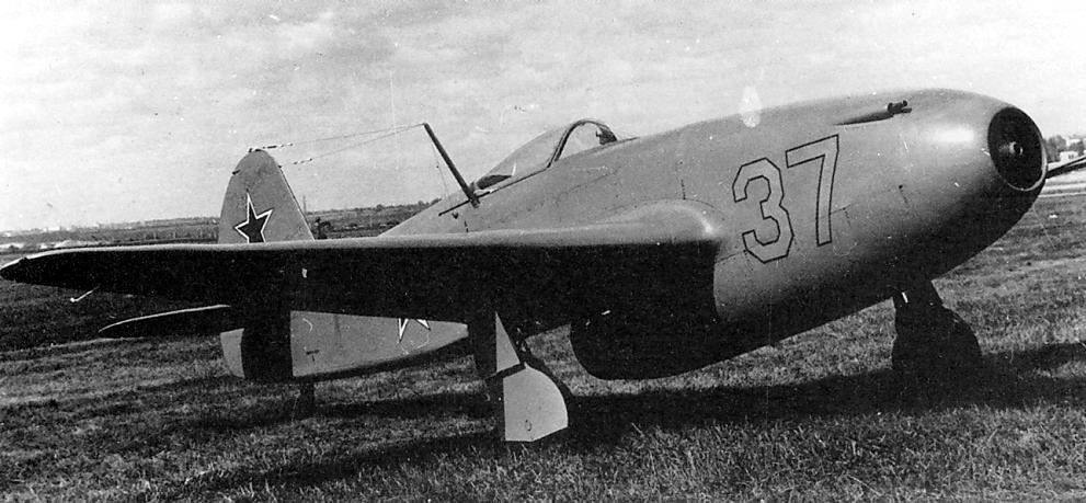 YAKOVLEV - avioni konstruktora Jakovljeva Yakovlev_yak15_09